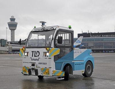 Schiphol Tests EasyMile Autonomous Baggage Tractor
