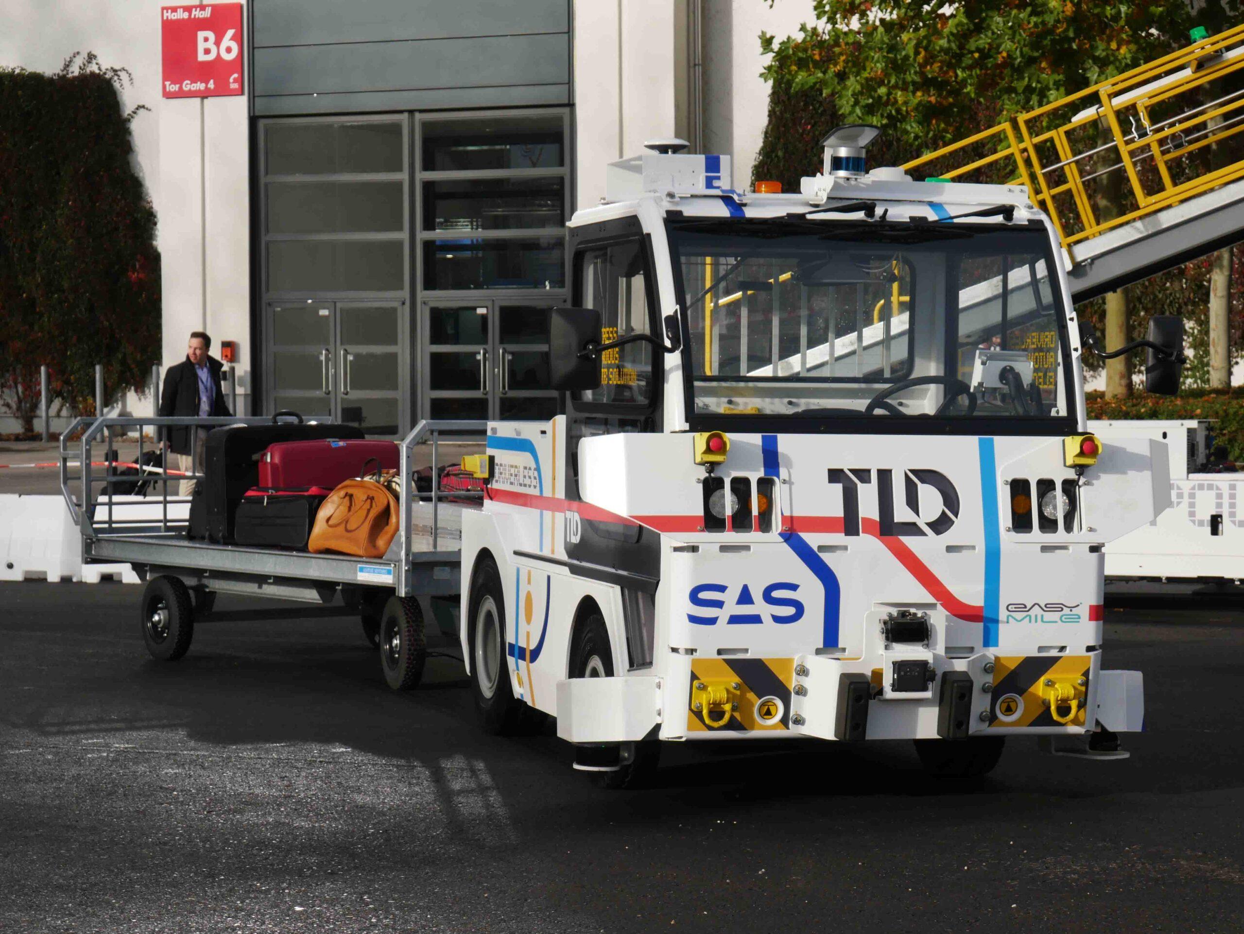 TractEasy autonomous tow tractor