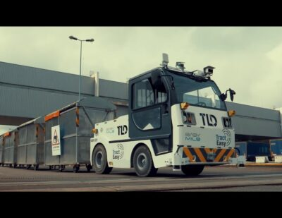 TractEasy, a Driverless and Zero-Emission Electric Tow Tractor